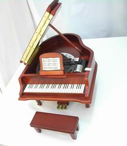 music-box-piano3