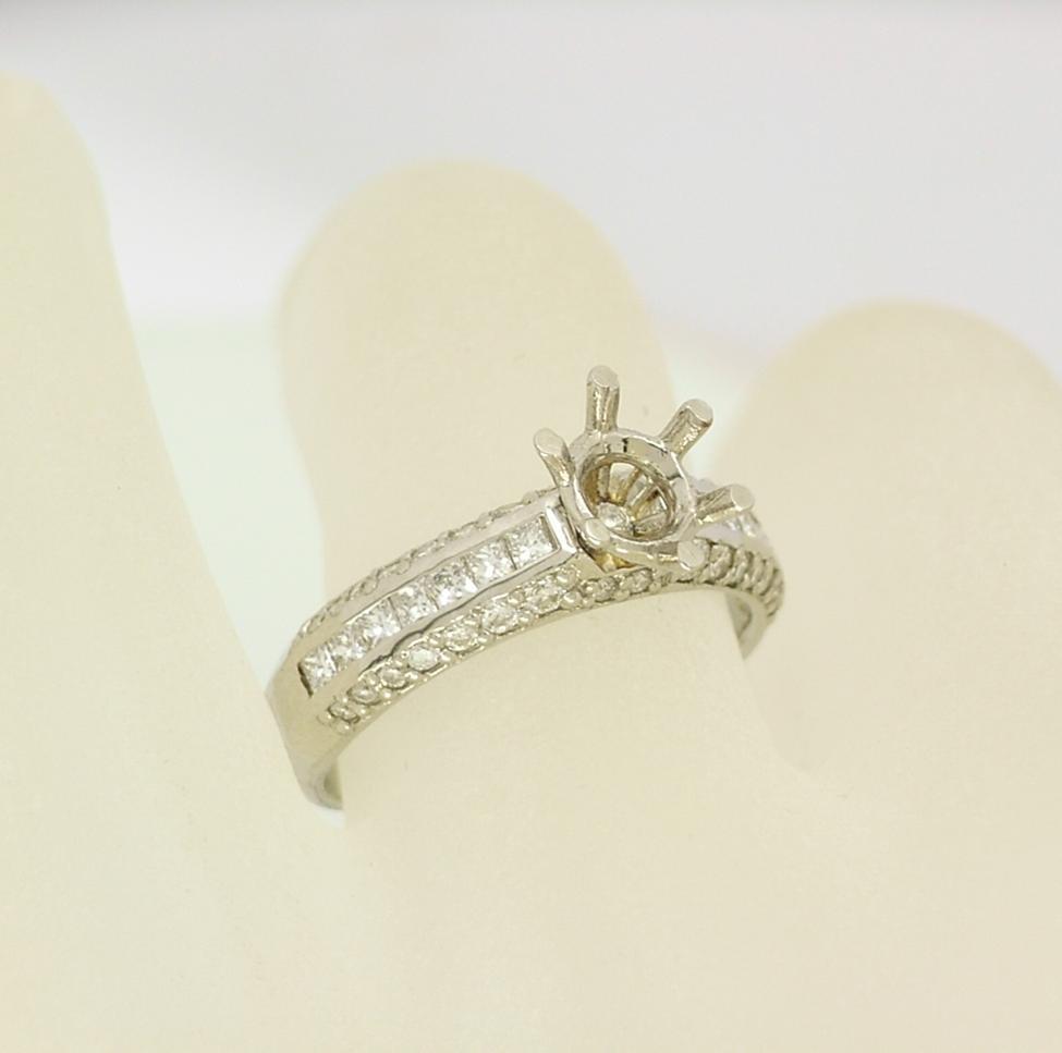 R10891 Platinum Ring