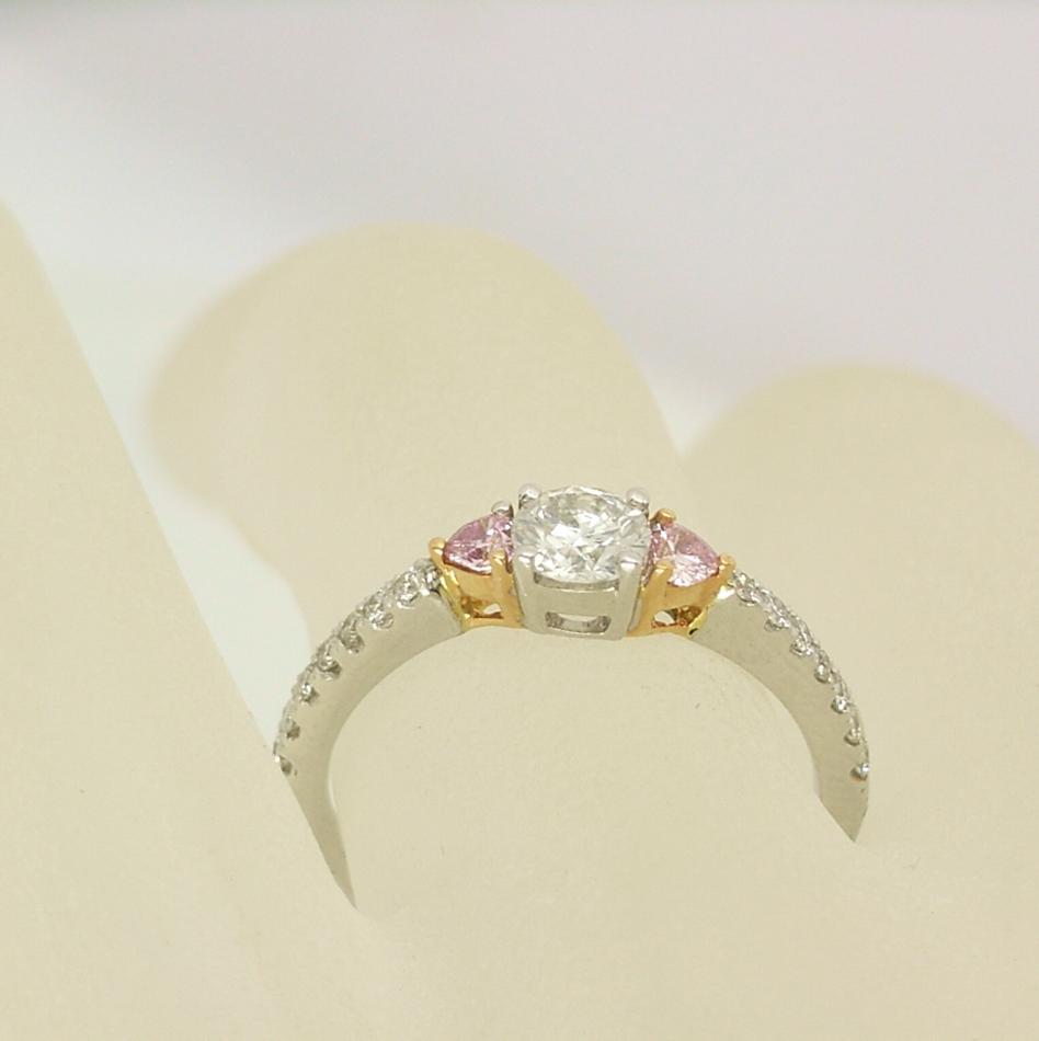 R11068 Pink Heart Diamond Ring