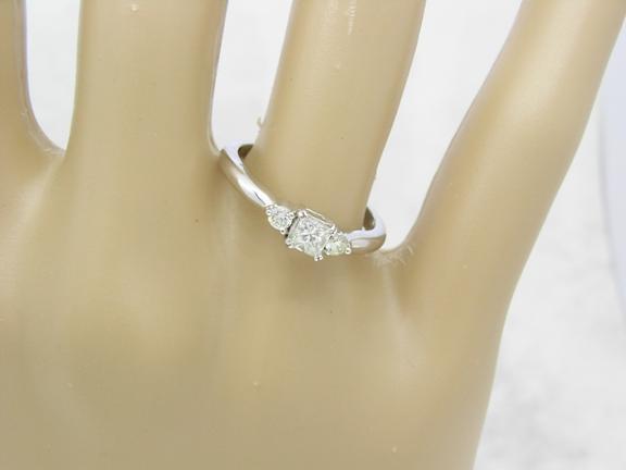 R11081 Trilogy Diamond Ring