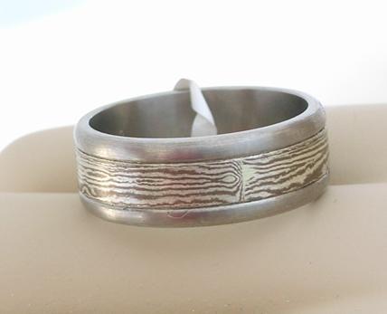R10979 Titanium Ring