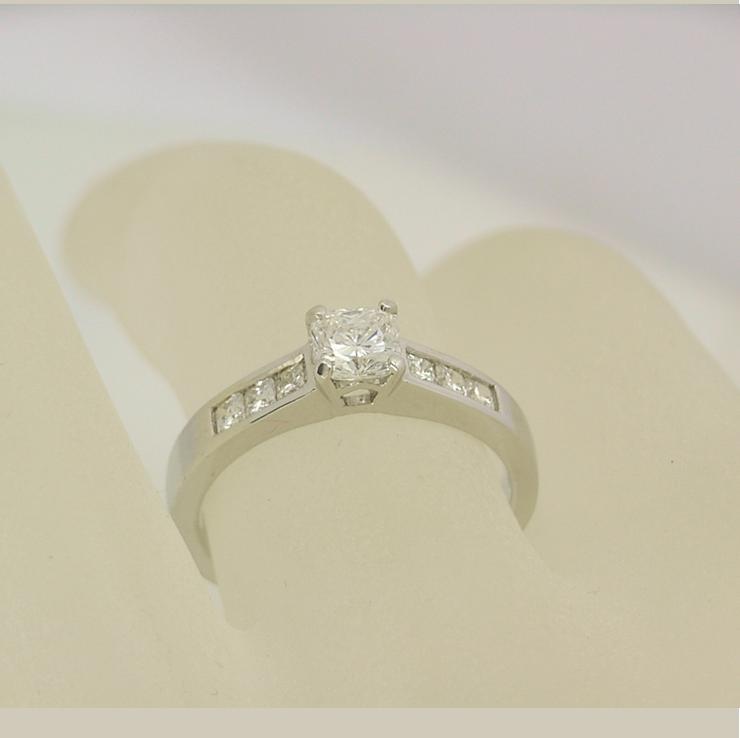 R11114 Radiant Ring