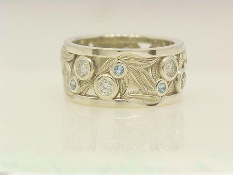 gumleaf ring