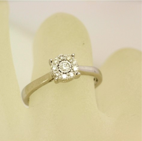 R11427 White Gold Illusion Set Diamond Ring