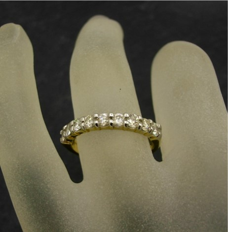 R11489 Diamond Wedding Band