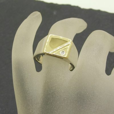 Gold Top Signet Ring