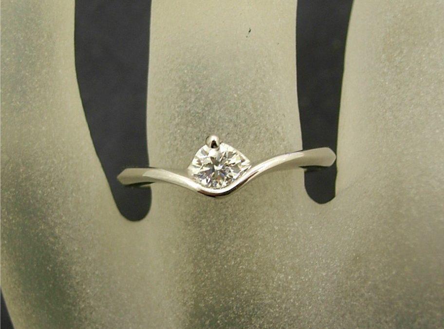 R11227 Solitaire Diamond Ring