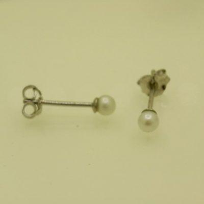 Pearl Studs 3mm