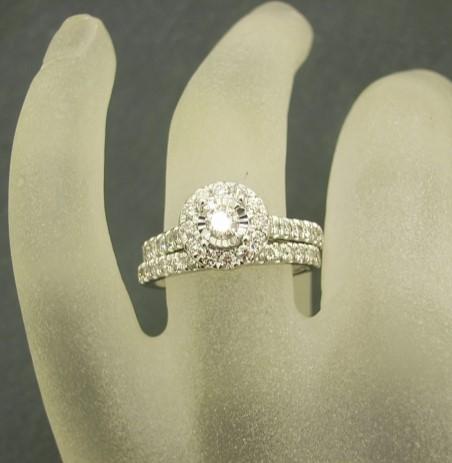 R11525 Engagement Wedding Set