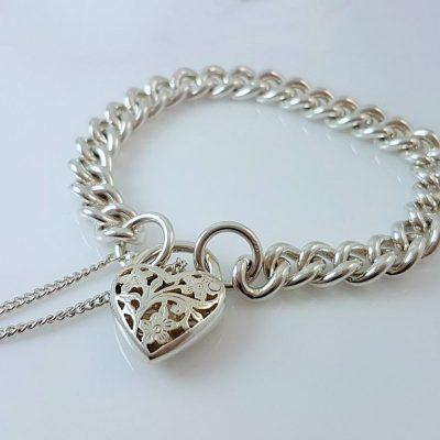 Solid Curb Bracelet