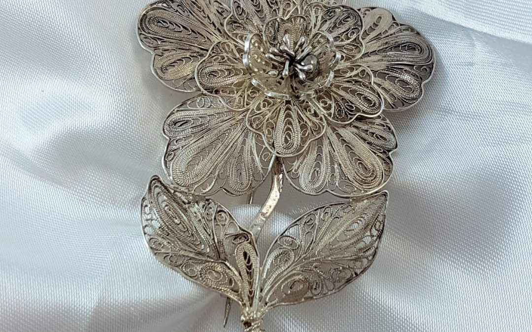 G34013 Flower Brooch