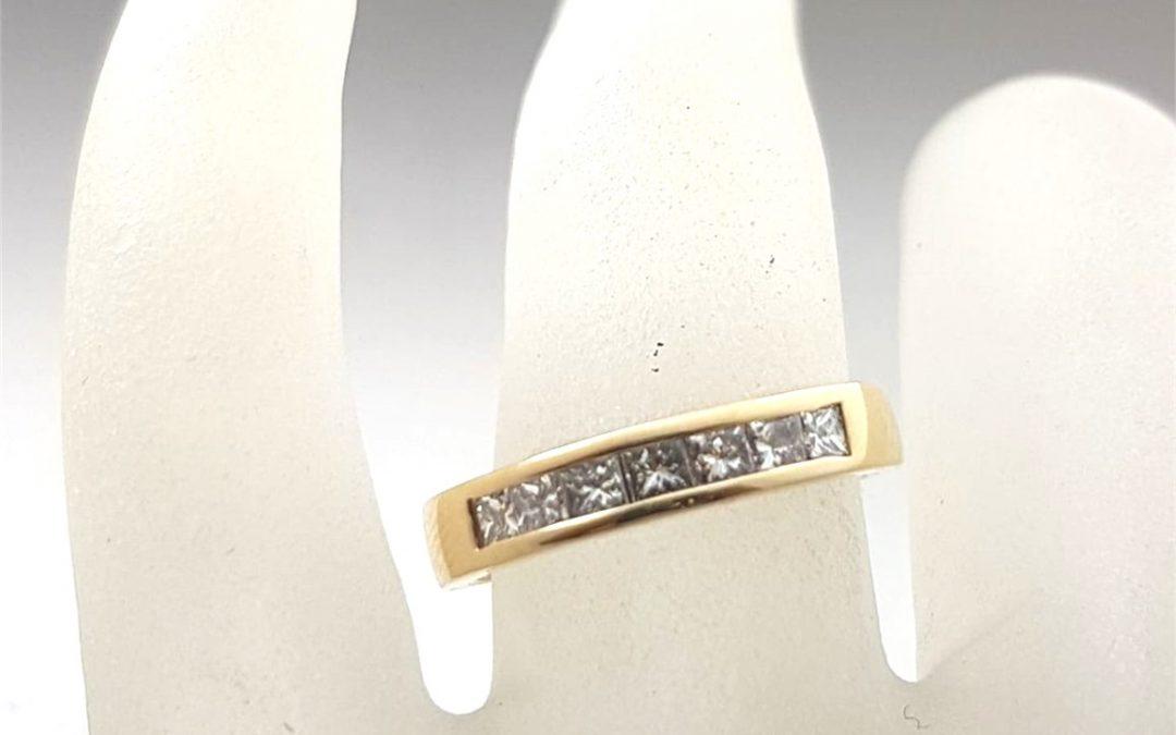 R11590 Diamond Ring
